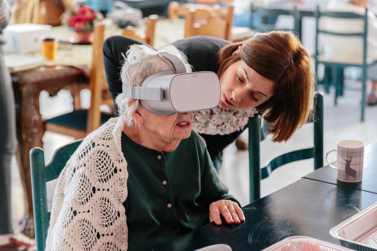 Φέτος οι ηλικιωμένοι θα παρακολουθούν, με τη χρήση γυαλιών εικονικής πραγματικότητας, μια ξενάγηση διάρκειας 4 λεπτών στο Μουσείο (φωτ.: Μουσείο Κυκλαδικής Τέχνης / Πάρις Ταβιτιάν).