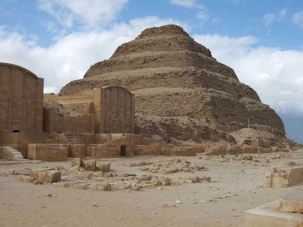 Η Πυραμίδα του Ζόζερ στη Σακάρα.