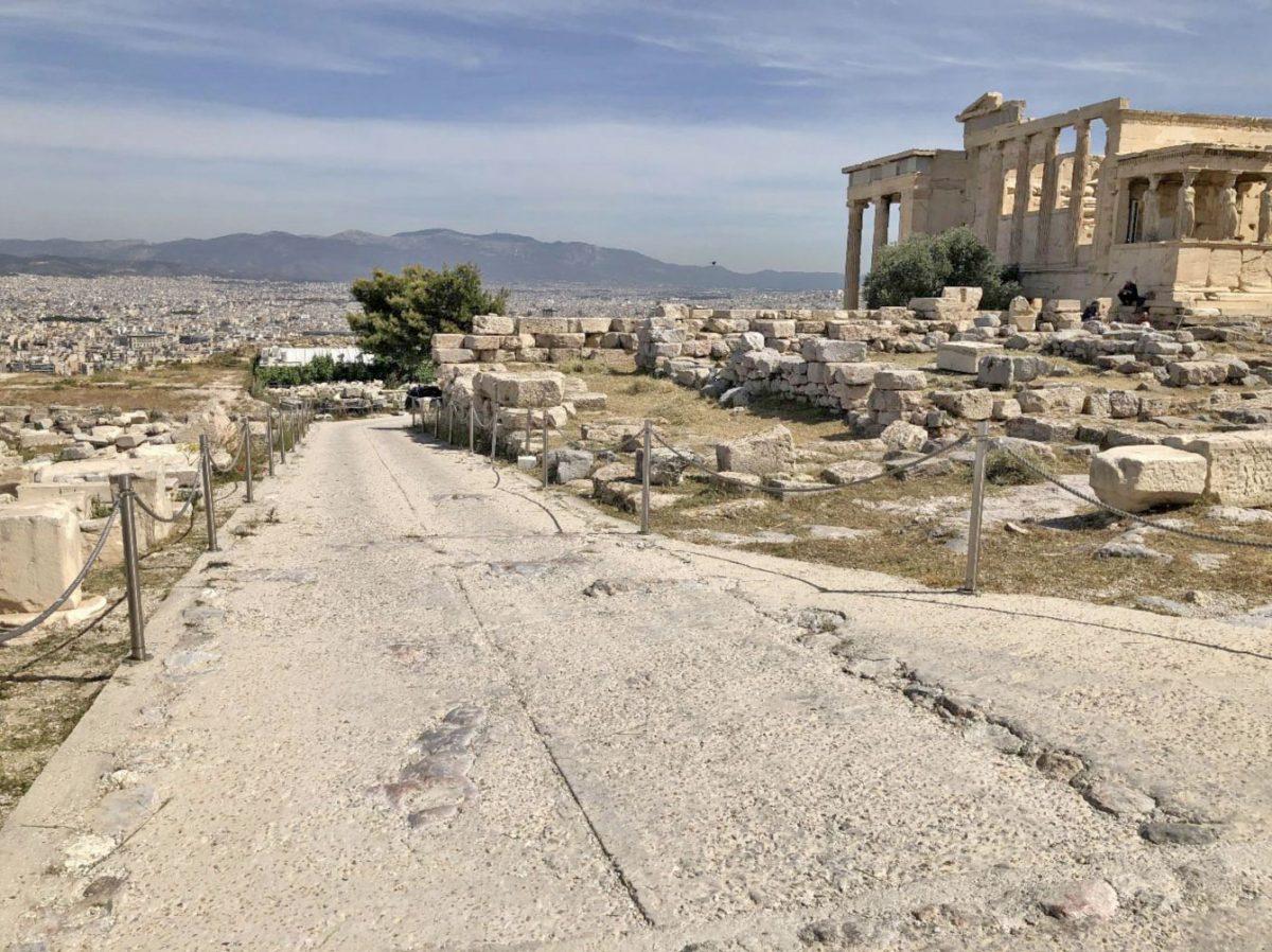 Διαδρομές για άτομα με δυσκολία στην κίνηση στην Ακρόπολη