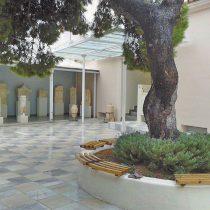 Το προαύλιο του Αρχαιολογικού Μουσείου. Φωτογραφικό αρχείο ιστότοπου Salamina Press.