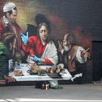 «Δείπνο στους Εμμαούς»: η γκράφιτι απόδοση του έργου του Καραβάτζο