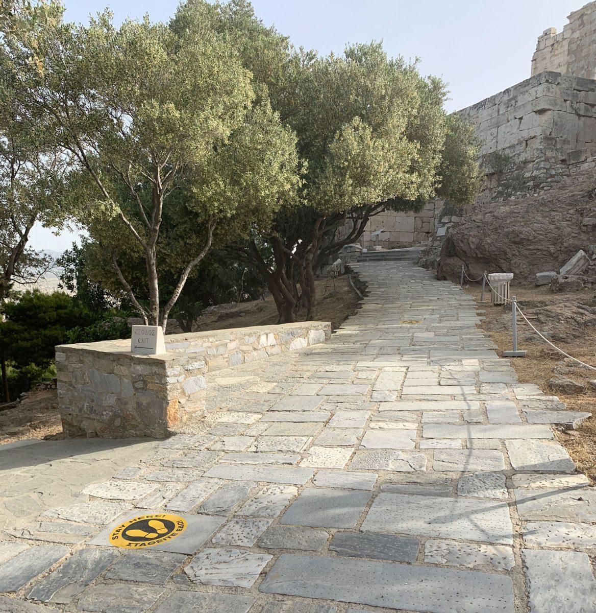 Το ΥΠΠΟΑ έχει εκπονήσει, σύμφωνα με τις οδηγίες του ΕΟΔΥ, σχέδιο ασφαλούς λειτουργίας των αρχαιολογικών χώρων, με γνώμονα την προστασία τόσο των εργαζομένων, όσο και των επισκεπτών (φωτ.: ΥΠΠΟΑ).