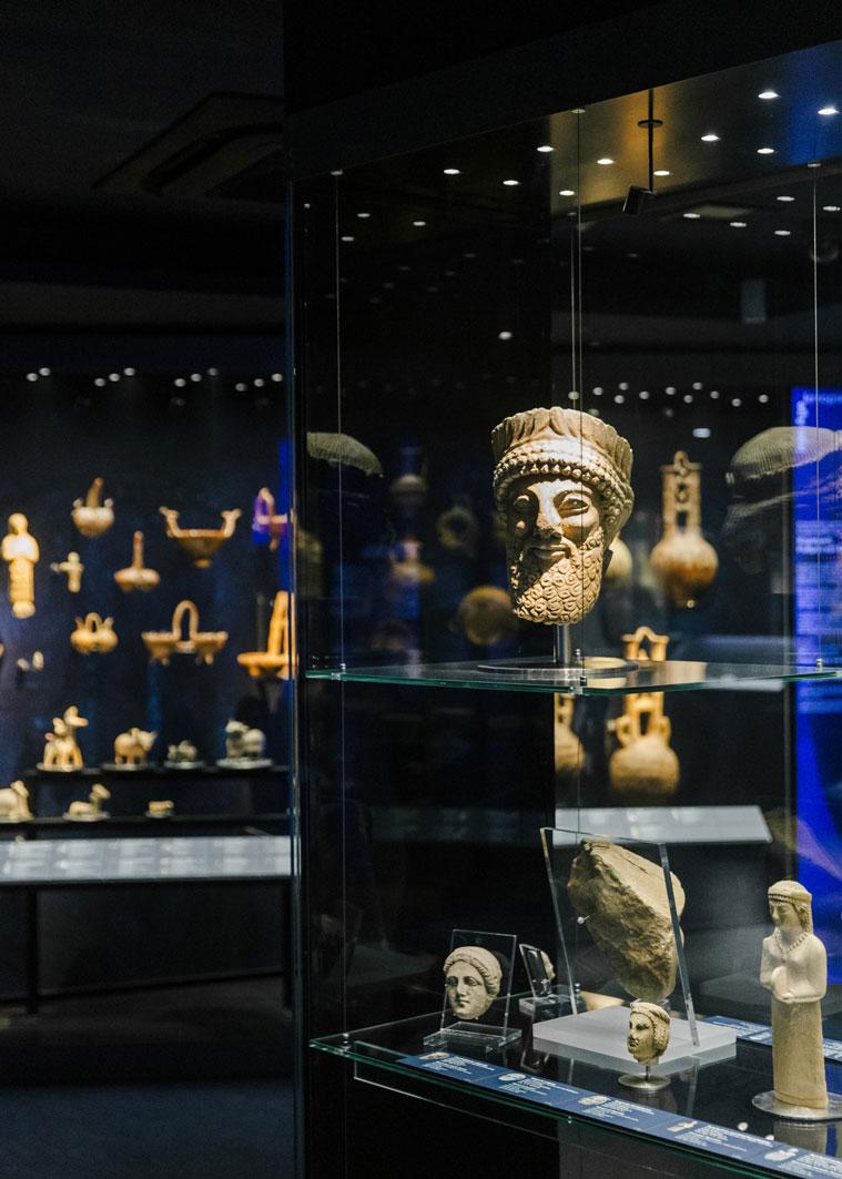 Γενική άποψη χώρου, Κυπριακή Συλλογή. Φωτ.: Πάρις Ταβιτιάν © Μουσείο Κυκλαδικής Τέχνης.
