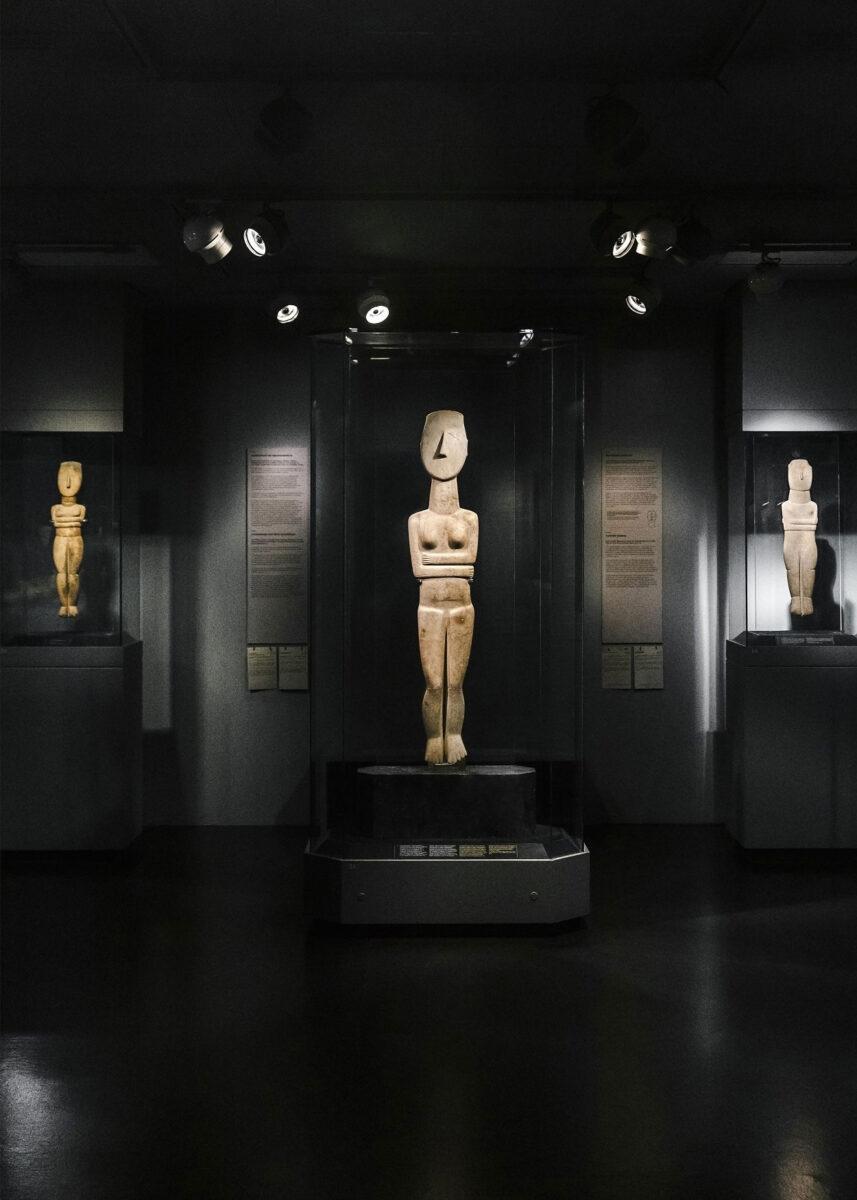 Γενική άποψη χώρου, Κυκλαδική Συλλογή. Φωτ.: Πάρις Ταβιτιάν © Μουσείο Κυκλαδικής Τέχνης.