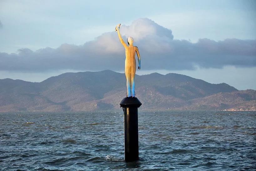 Η «Σειρήνα του Ωκεανού» (φωτ.: Jason deCaires Taylor / Museum of Underwater Art).