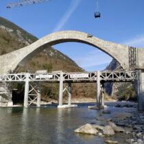 Ολοκληρώθηκαν οι εργασίες στο γεφύρι της Πλάκας
