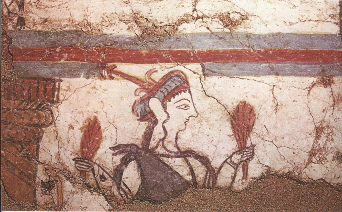 Τοιχογραφία από το θρησκευτικό κέντρο του ανακτόρου των Μυκηνών, 13ος  αι. π.Χ. Γυναικεία μορφή (θεότητα; ιέρεια;) με πόλο στο κεφάλι.