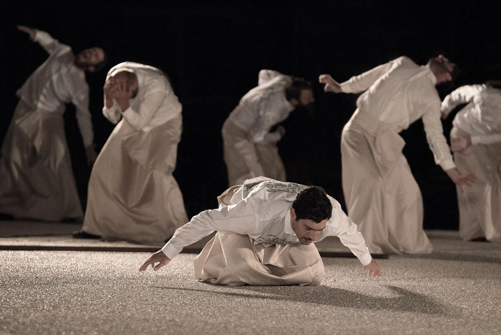 Το Εθνικό Θέατρο, με την υποστήριξη του υπουργείου Πολιτισμού και Αθλητισμού, παρουσιάζει τους «Πέρσες» με αφορμή τα 2.500 χρόνια από τη Ναυμαχία της Σαλαμίνας.