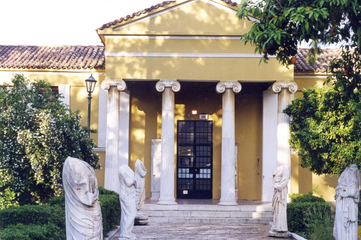 Το Αρχαιολογικό Μουσείο Σπάρτης ιδρύθηκε το 1875 στο νεοκλασικό κτήριο που χτίστηκε σε σχέδια του αρχιτέκτονα Γ. Κατσαρού (φωτ.: ΥΠΠΟΑ).