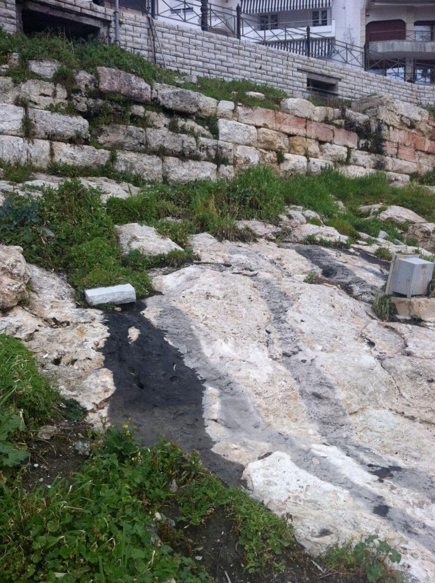 Άποψη του Θεμιστόκλειου Τείχους στον Πειραιά (φωτ.: ΥΠΠΟΑ).