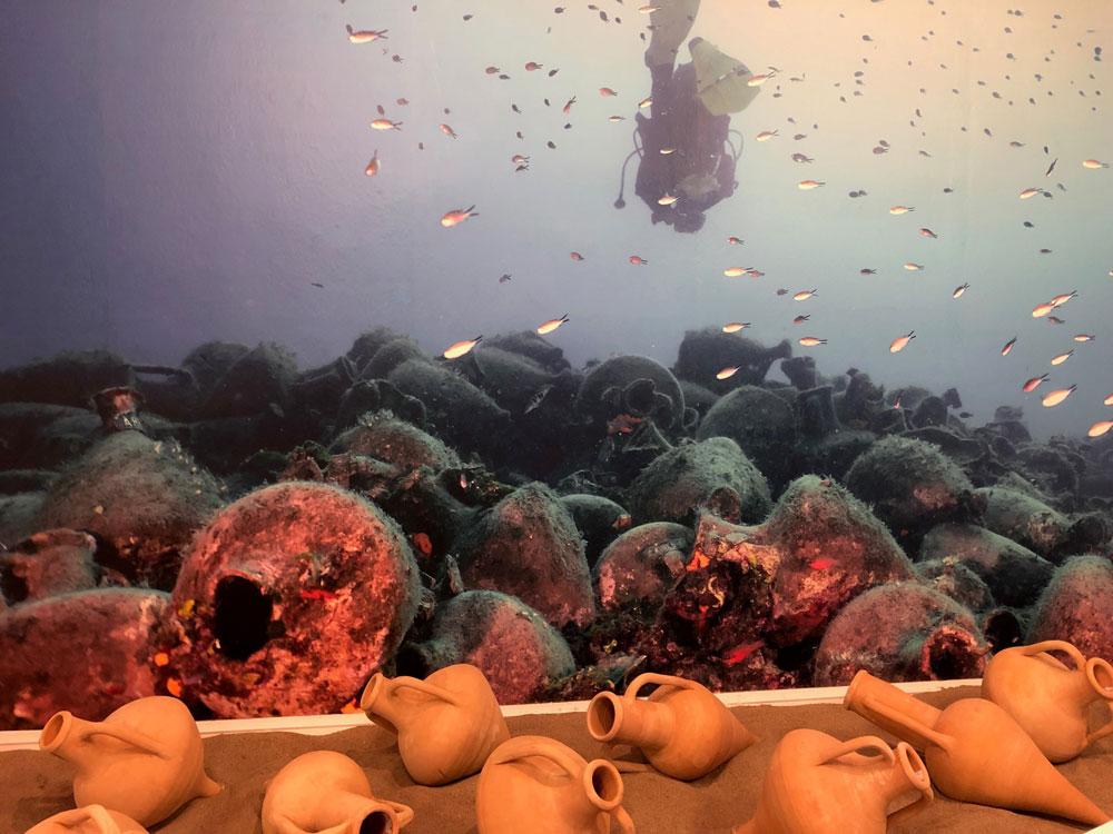 Το κλασικών χρόνων ναυάγιο της Περιστέρας είναι εξαιρετικά σημαντικό από ιστορικής και αρχαιολογικής άποψης, γεμάτο με χιλιάδες οινοαμφορείς (φωτ.: ΥΠΠΟΑ).