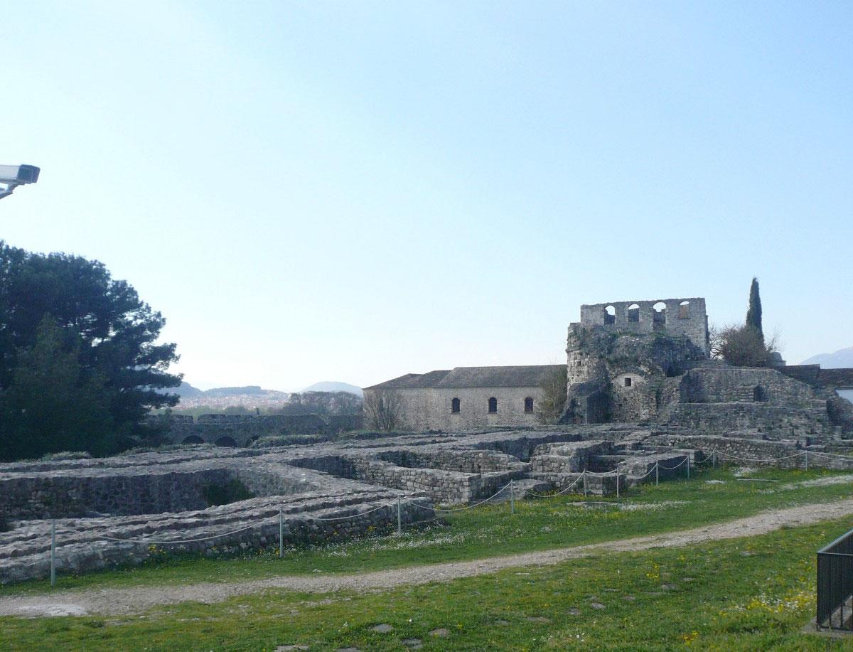 Ερείπια του σεραγιού του Αλή Πασά στο Ιτς-Καλέ, την ακρόπολη του κάστρου των Ιωαννίνων.