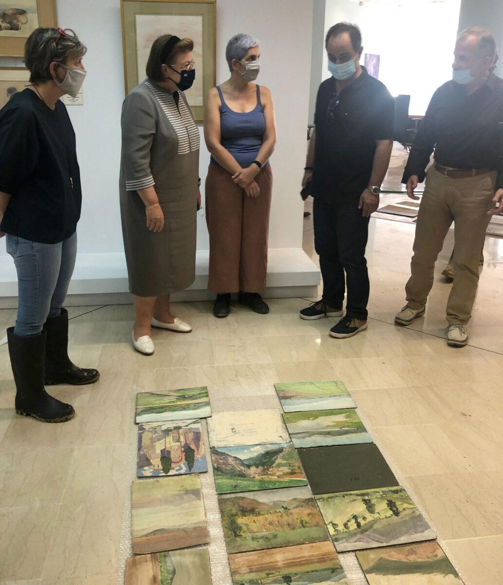 Η Λίνα Μενδώνη στη Δημοτική Πινακοθήκη Καρδίτσας (φωτ.: ΥΠΠΟΑ).