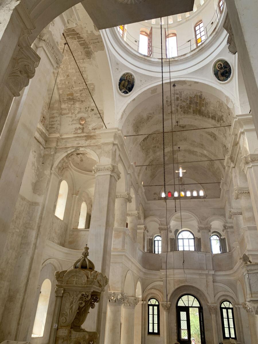 Άποψη του εσωτερικού του ναού του Αγίου Γεωργίου Σαντραπέ στο Καστελόριζο (φωτ.: ΥΠΠΟΑ).