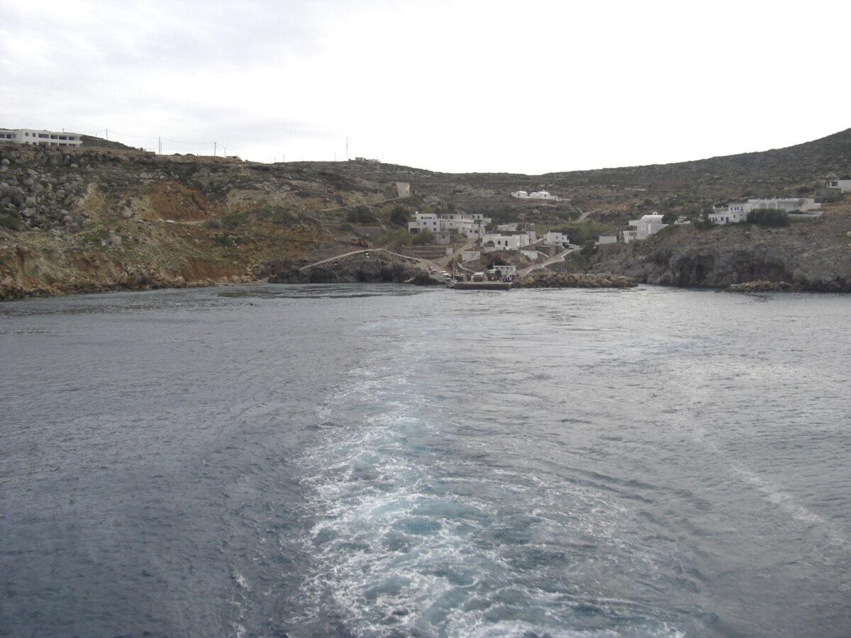 Ποταμός, το βασικό λιμάνι των Αντικυθήρων (φωτ.: Βικιπαίδεια).