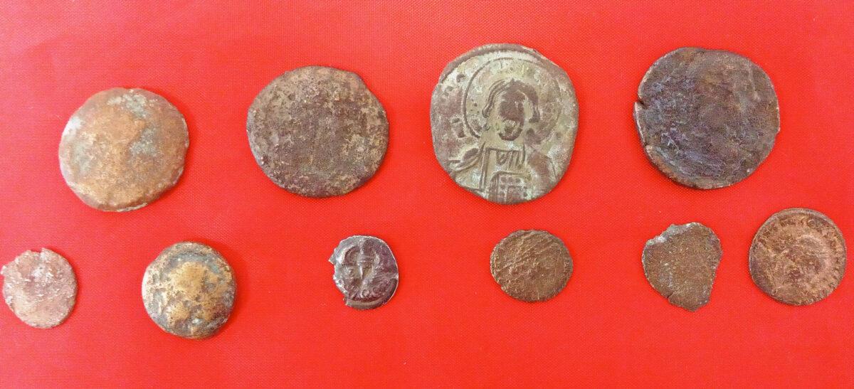 Σύλληψη δύο ατόμων για κατοχή αρχαίων νομισμάτων