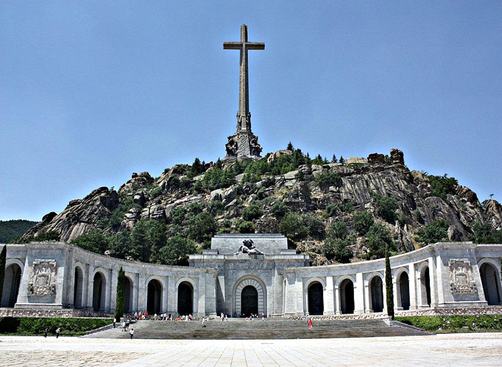 Αλλάζει το μνημείο της «Κοιλάδας των Πεσόντων»