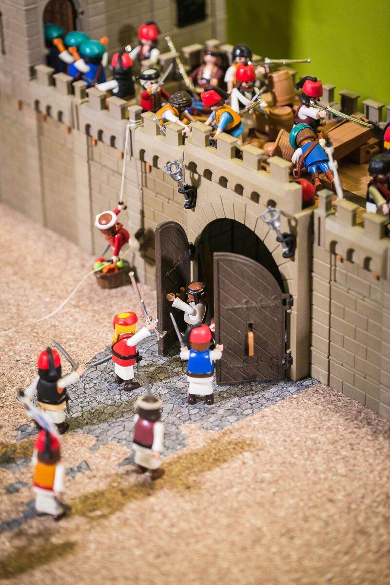 Η πολιορκία της Τριπολιτσάς. Διόραμα του Άγγελου Γιακουμάτου. © ΕΙΜ, Λ. Παπανικολάτος.