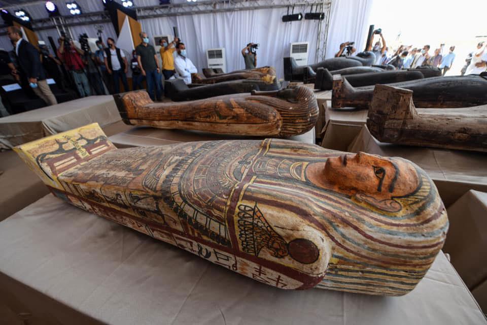 Οι 59 σαρκοφάγοι που αποκαλύφθηκαν στη Νεκρόπολη της Σακκάρα (φωτ.: Υπουργείο Αρχαιοτήτων και Τουρισμού της Αιγύπτου).