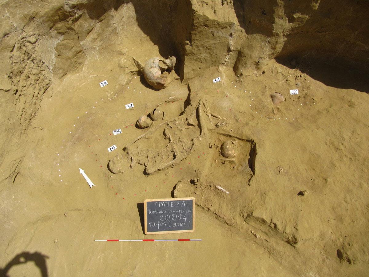 Τραπεζά Αιγίου. Άποψη του θαλάμου του Τάφου 1 (φωτ.: ΥΠΠΟΑ).