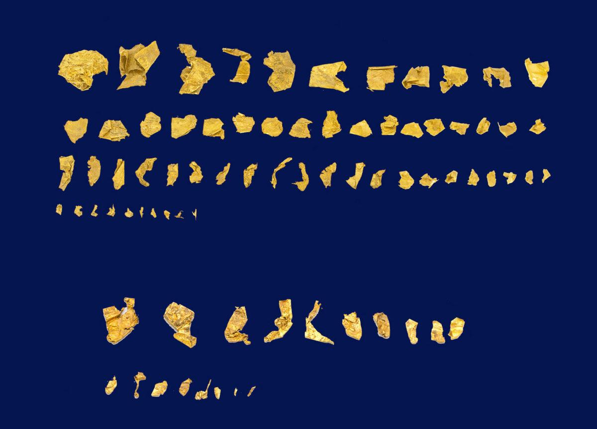 Μέρος των χρυσών ελασμάτων που βρέθηκαν στη Ζώμινθο (φωτ.: ΥΠΠΟΑ).