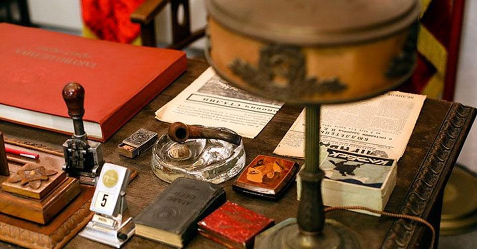 Στο σφυρί, η συλλογή του KGB Espionage Museum
