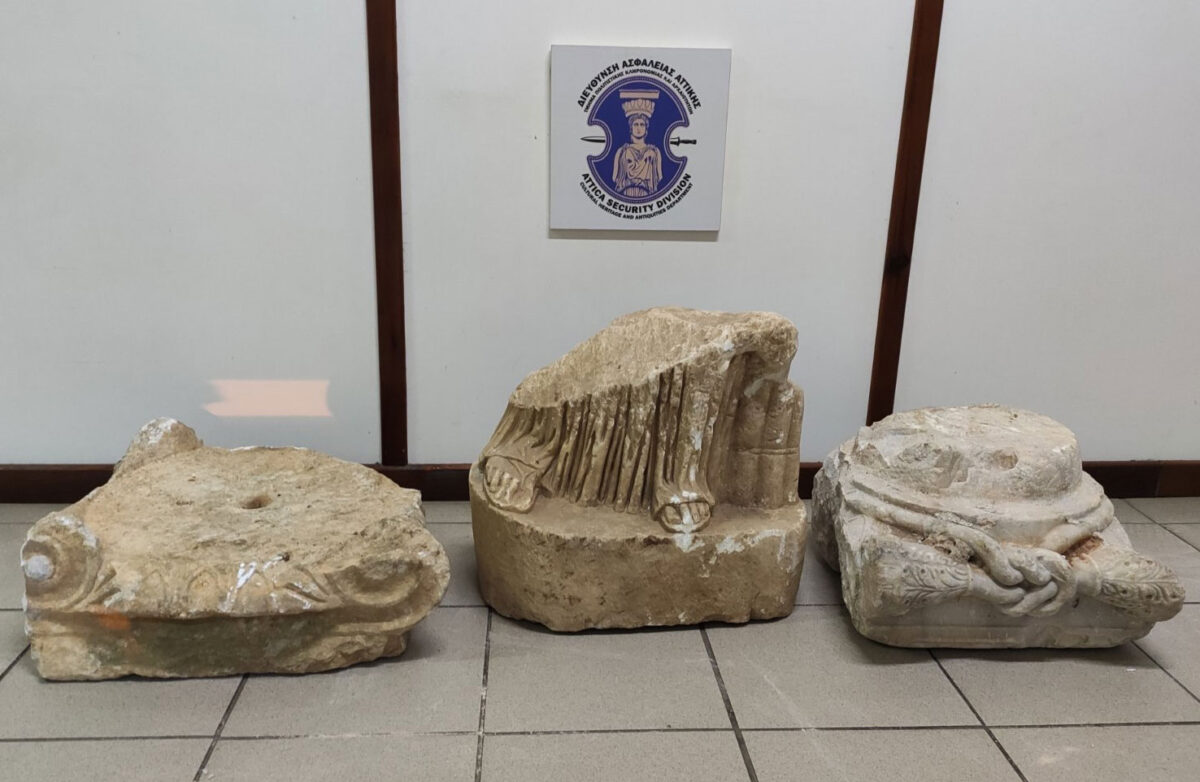 Αρχαία αντικείμενα που κατασχέθηκαν στη Μεσσηνία (φωτ.: ΕΛΑΣ).