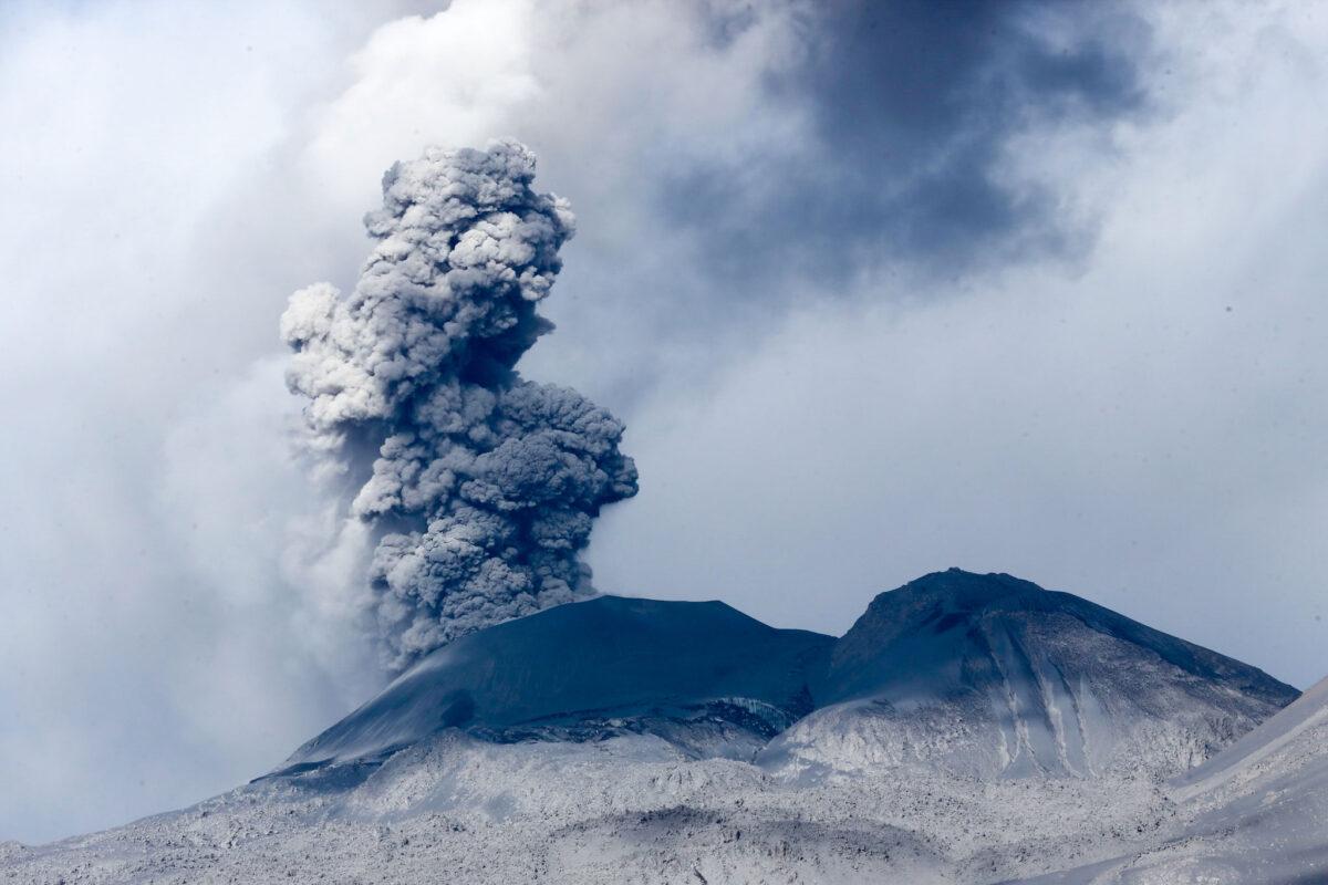 Και οι οκτώ γνωστές ταυτόχρονες μαζικές εξαφανίσεις ειδών σε ξηρά και θάλασσα φαίνεται να έχουν συμπέσει με εκρήξεις ηφαιστείων (φωτ.: Wikipedia).