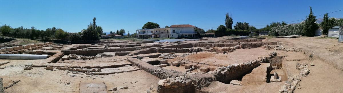 Πανοραμική φωτογραφία της ανατολικής στοάς της Αμαρύνθου (φωτ.: ΥΠΠΟΑ).