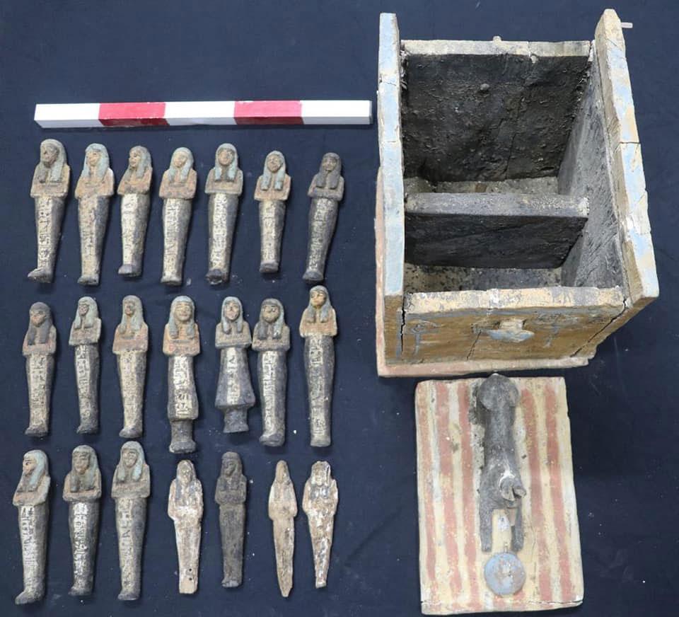 Κιβωτίδιο με ουσάμπτι. Περ. τέλος 18ης-αρχή 19ης Δυναστείας. Πηγή: Υπουργείο Τουρισμού και Αρχαιοτήτων της Αιγύπτου.