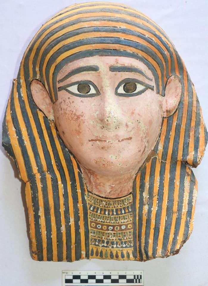 Νεκρική μάσκα. Πιθανότατα Τρίτη Ενδιάμεση Περίοδος/Ύστερη Περίοδος. Πηγή: Υπουργείο Τουρισμού και Αρχαιοτήτων της Αιγύπτου.