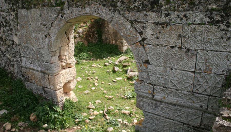 Την Ενετική Στράτα μέσω της οποίας γινόταν η σύνδεση των Χανίων με την επαρχία Σελίνου «ξαναστρώνει» ο δήμος Πλατανιά (φωτ.: ΑΠΕ-ΜΠΕ).