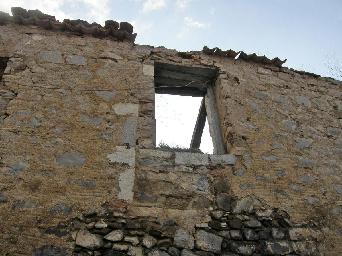 Το σπίτι που γεννήθηκε ο Νίκος Γκάτσος στην Ασέα Αρκαδίας (φωτ.: ΥΠΠΟΑ).