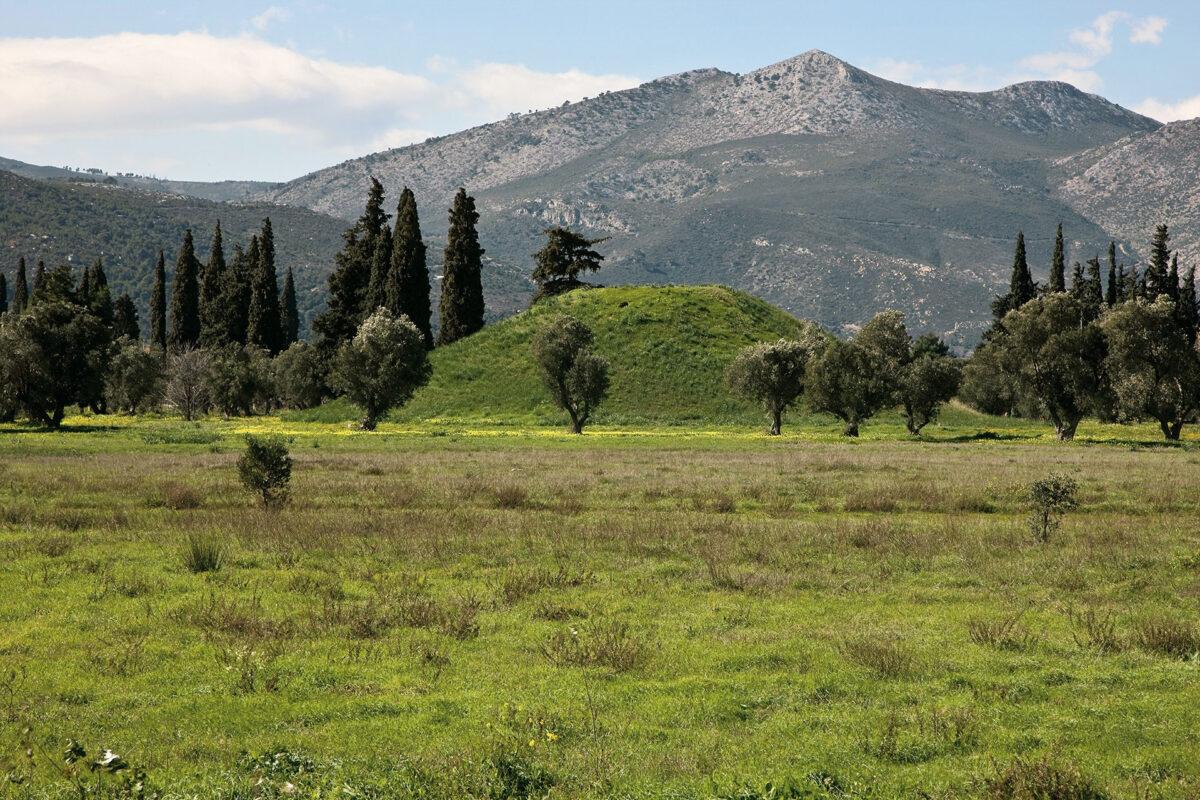Ο Τύμβος των Αθηναίων στον Μαραθώνα (φωτ.: ΥΠΠΟΑ).