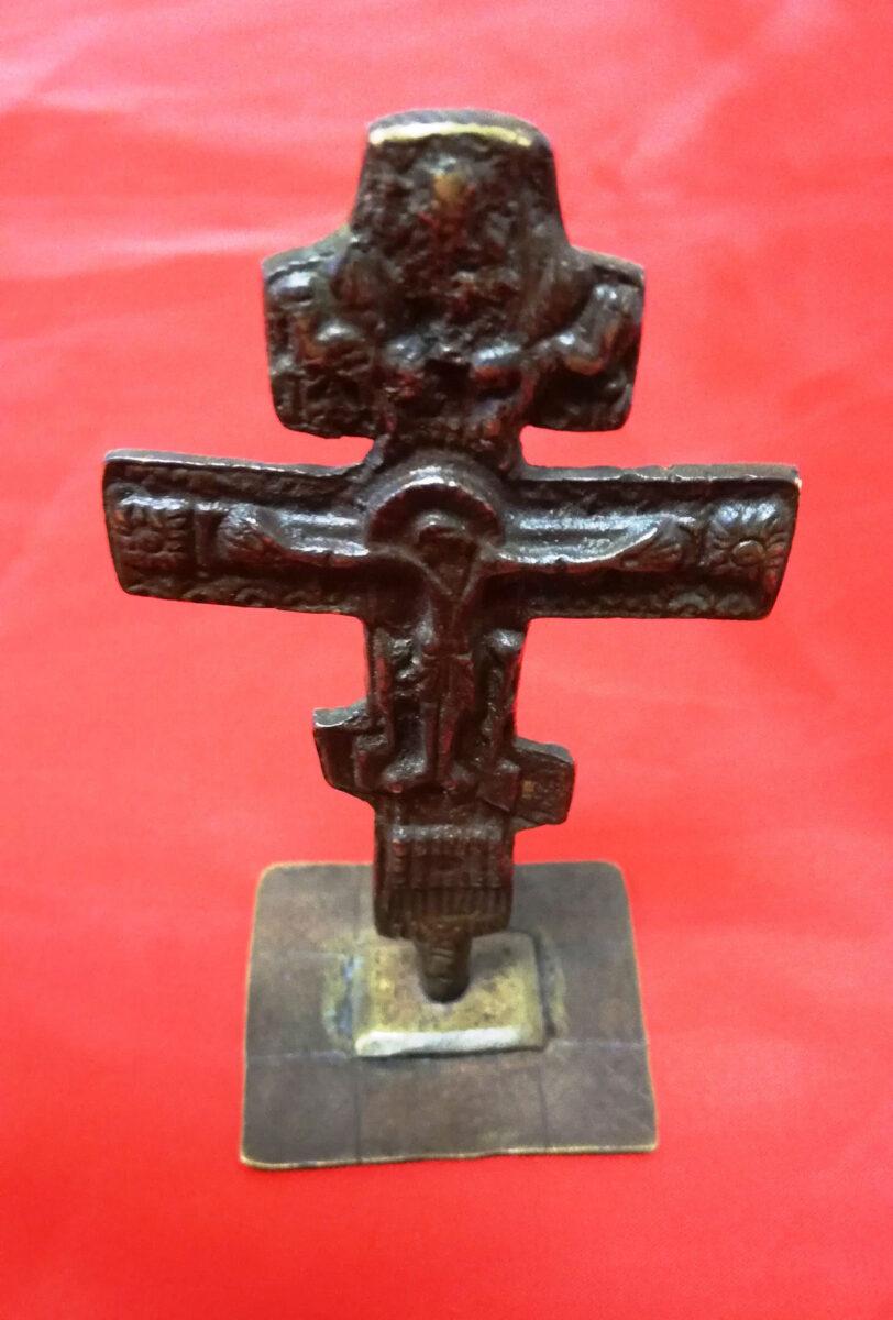 Αναζητούσε αγοραστή στο διαδίκτυο για σταυρό του 19ου αιώνα