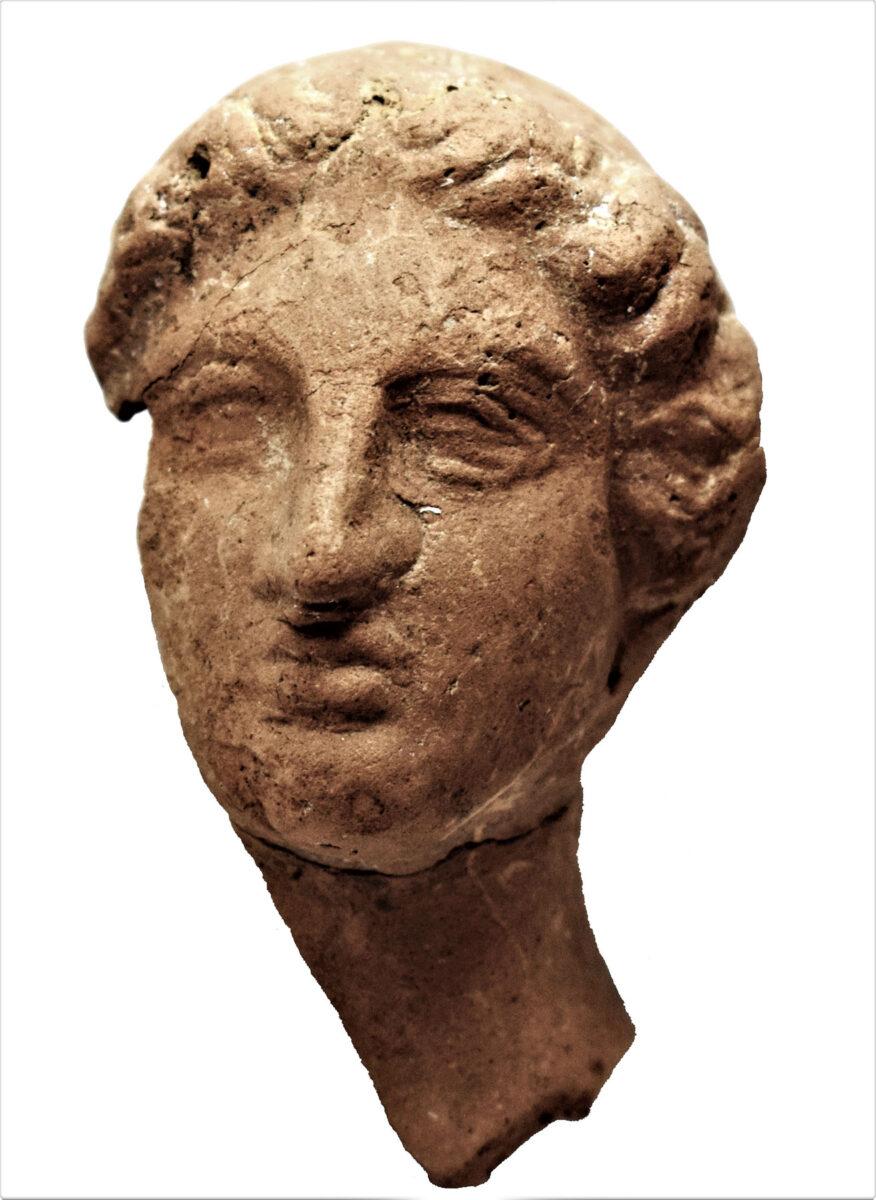 Κεφαλή θεάς, 4ος αι. π.Χ. Φωτ.: Εφορεία Αρχαιοτήτων Ημαθίας.
