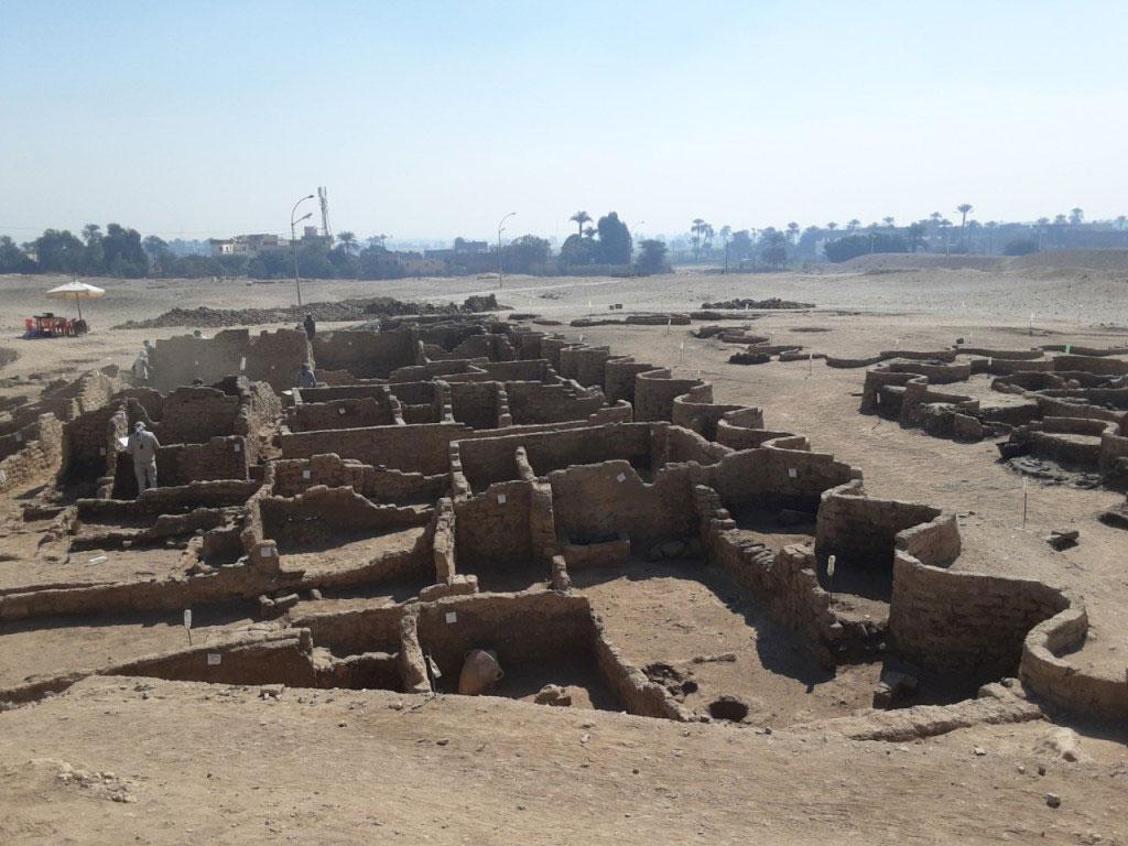 Μεγάλη αρχαία αιγυπτιακή πόλη αποκαλύπτεται στη Δυτική Όχθη του Λούξορ