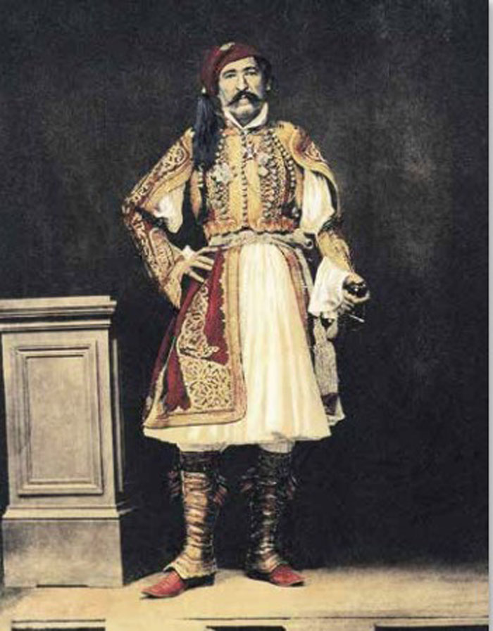 Ο Χριστόδουλος Χατζηπέτρος ηγήθηκε της εξέγερσης των Ελλήνων στη Θεσσαλία το 1854. Επιχρωµατισµένη φωτογραφία του Φίλιππου Μαργαρίτη (φωτ.: ΑΠΕ - ΜΠΕ /Μουσείο Μακεδονικού Αγώνα).