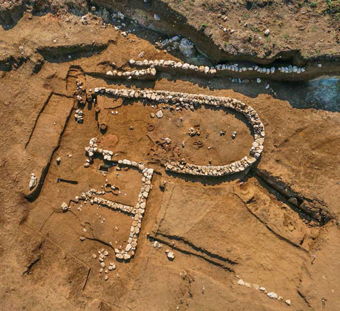 Αψιδωτό κτίριο στη θέση Ρέμα Ξυδιάς, 1350-1130 π.Χ. (@ΥΠΠΟΑ,ΕΦΑ Πιερίας). Τη φωτογραφία παραχώρησε στο ΑΠΕ-ΜΠΕ η Α. Δημουλά.