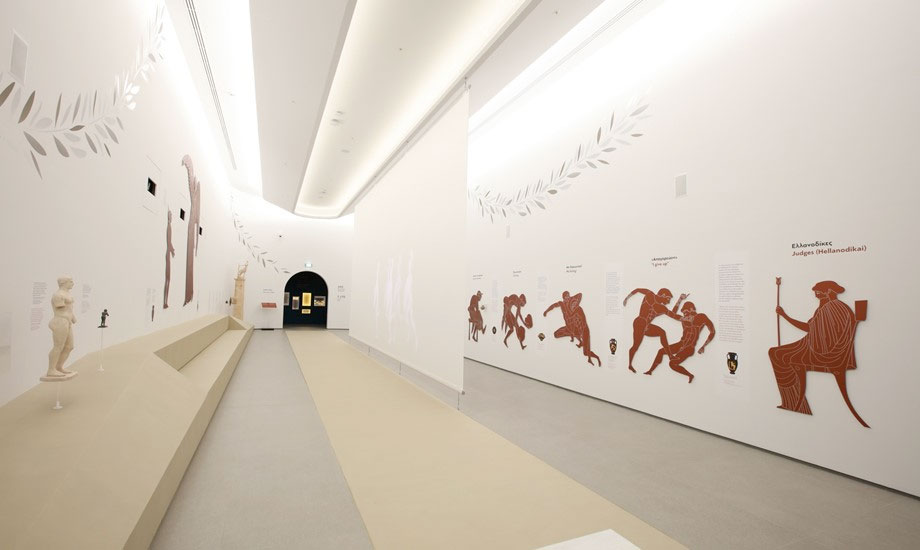 Ολυμπιακό Μουσείο Αθήνας: Η αίθουσα που αναπαριστά το Στάδιο της Αρχαίας Ολυμπίας. Φωτ.: © Math Studio.