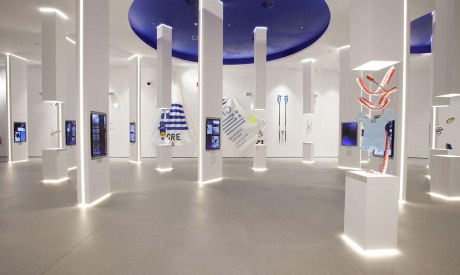 Ολυμπιακό Μουσείο Αθήνας: Η αίθουσα που είναι αφιερωμένη στους Αθλητές και τα Ολυμπιακά Αθλήματα. Φωτ.: Math Studio.