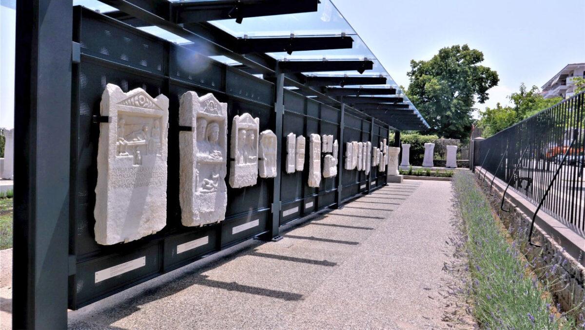 Ο «Τοίχος της Μνήμης». © Υπουργείο Πολιτισμού και Αθλητισμού.