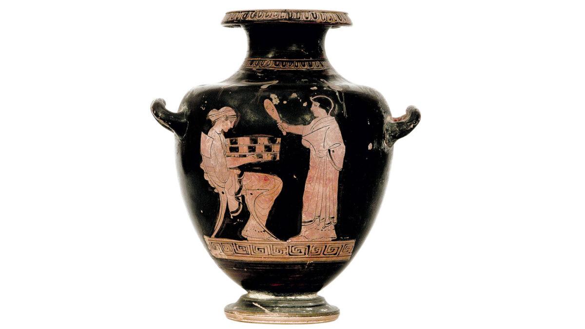 Πήλινη ερυθρόμορφη υδρία του Ζωγράφου του Αλκιμάχου, με παράσταση καθημερινής σκηνής καλλωπισμού σε γυναικωνίτη ή σκηνής προετοιμασίας γάμου. Άγνωστης προέλευσης. Γύρω στο 470-460 π.Χ. Μουσείο Παύλου και Αλεξάνδρας Κανελλοπούλου Δ 99. © ΥΠΠΟΑ/Μουσείο Παύλου και Αλεξάνδρας Κανελλοπούλου. Φωτ.: Σωκράτης Μαυρομμάτης.