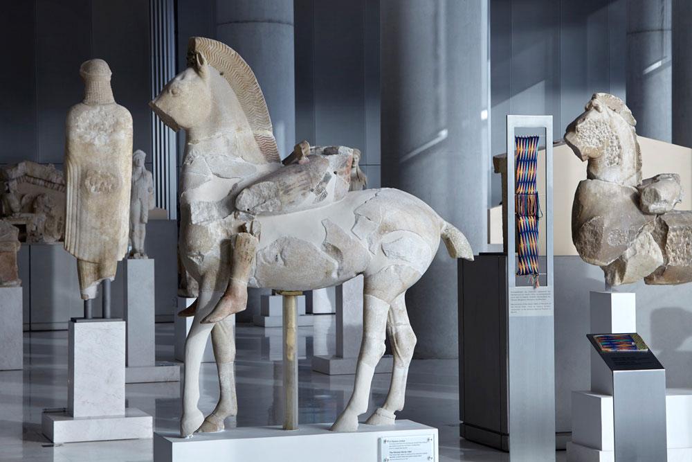 Άγαλμα ιππέα. Ο «Πέρσης» ή «Σκύθης» ιππέας. Ακρ. 606. © Μουσείο Ακρόπολης. Φωτ.: Γιώργος Βιτσαρόπουλος.